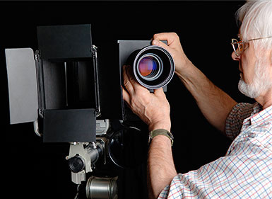 Richard Kenward of Artisan Digital Services with a large format digital camera
